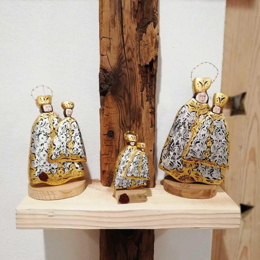 Madonnine del Monte Lussari decorate a mano